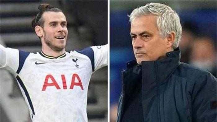 """Bale """"đâm thêm một nhát vào ngực"""" của Mourinho"""