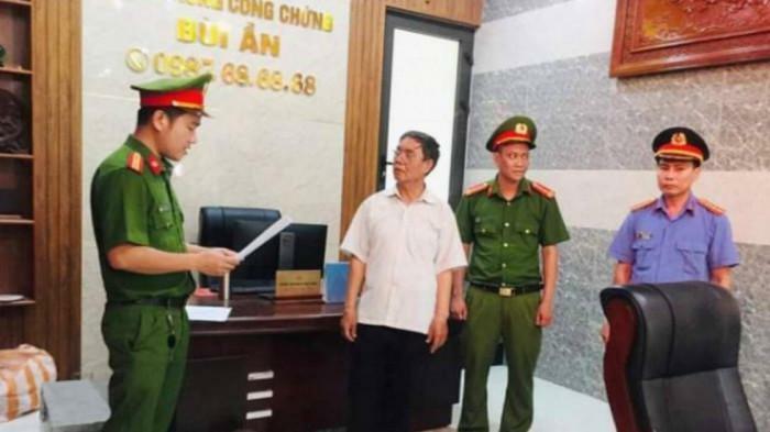 """Bắt giữ công chứng viên """"tiếp tay"""" lừa đảo mua bán đất chấn động Quảng Nam"""