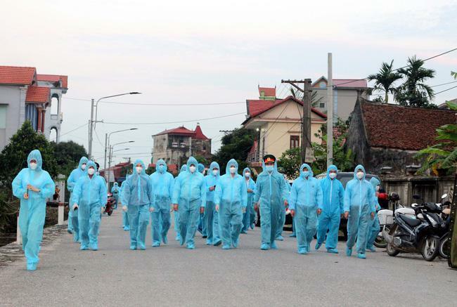 """Ca """"siêu lây nhiễm"""" lây Covid-19 cho 8 bệnh nhân TP HCM, Hà Nội và Hưng Yên thế nào?"""