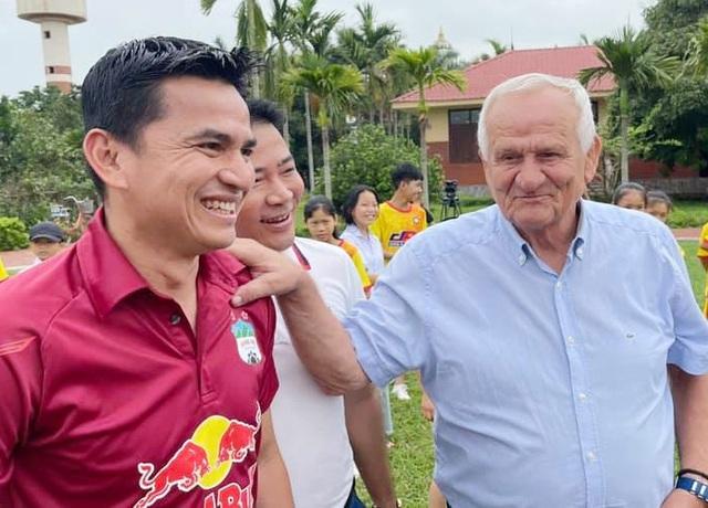 Kiatisuk tuyên bố sẽ đá đẹp trên sân Thanh Hóa, không quan trọng kết quả