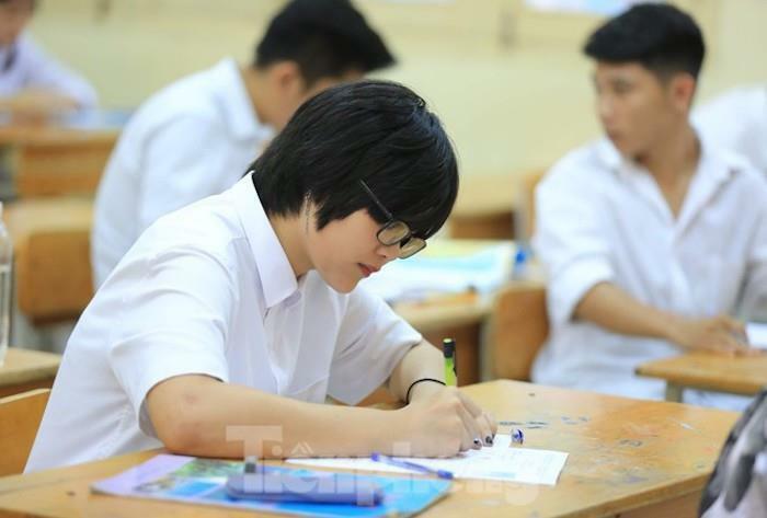 Chưa có căn cước công dân, thí sinh dự thi tốt nghiệp THPT năm 2021 thế nào?