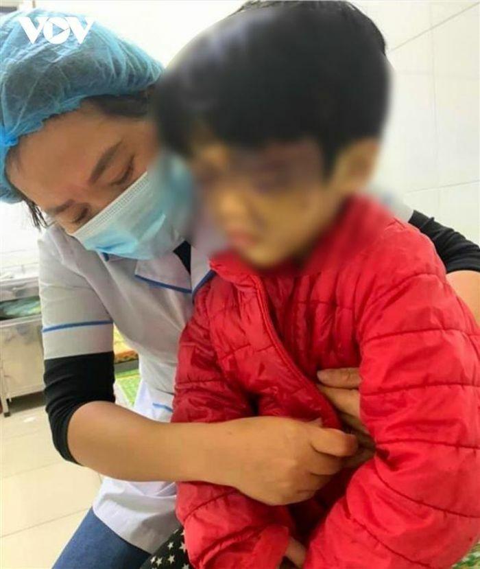 Khởi tố người mẹ hành hạ dã man con gái ruột ở Hải Dương