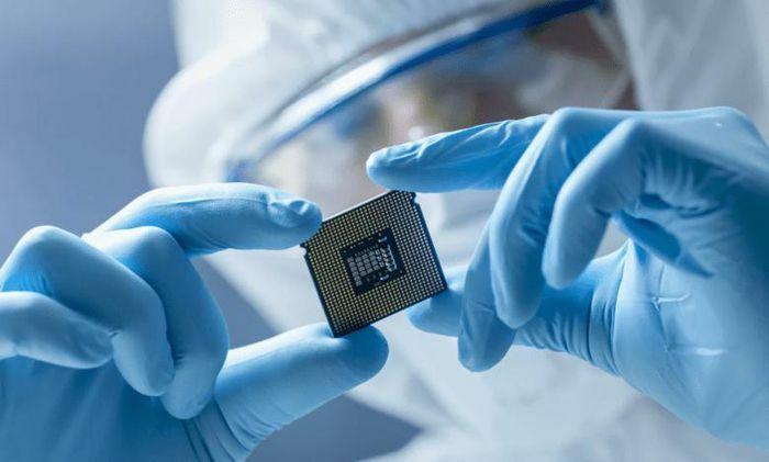 """""""Cơn ác mộng"""" thiếu chip toàn cầu có thể sớm được khắc phục nhờ Intel"""