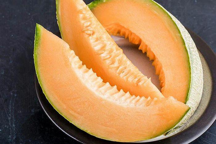 Ăn kiêng giảm cân: Nên chọn những thực phẩm này để tránh mất nước