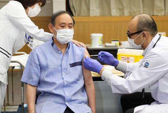 Vắc xin Pfizer thắng lớn nhờ đâu?