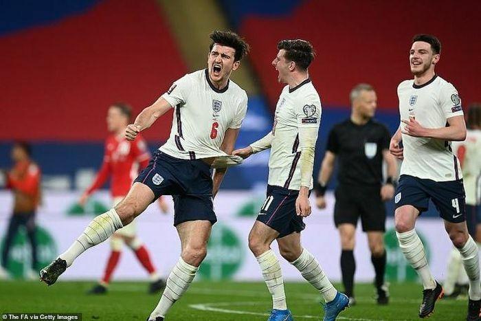 Maguire trở thành người hùng giúp Anh đánh bại Ba Lan