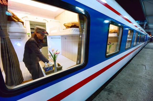 Tăng cường thêm 55 đoàn tàu từ Hà Nội và TP.HCM đi các tỉnh miền Trung dịp 30/4 và 1/5
