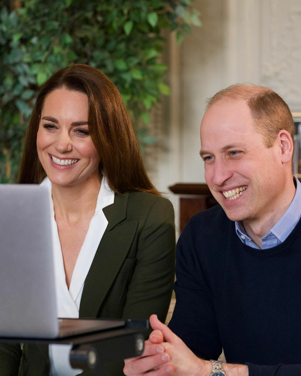 Loạt mỹ phẩm giúp Kate Middleton giữ da căng bóng