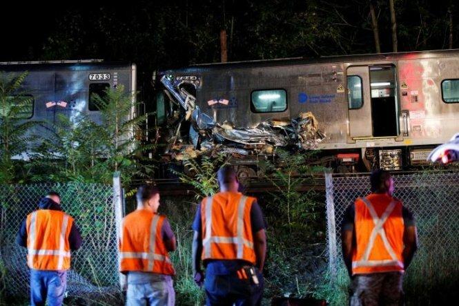 Tàu hỏa trật đường ray tại Mỹ, nhiều người bị thương