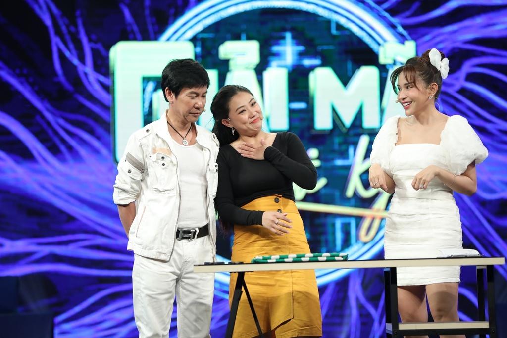 """Danh hài Lê Huỳnh từng """"sốc"""" khi được fan nữ kém 30 tuổi """"hỏi cưới"""""""