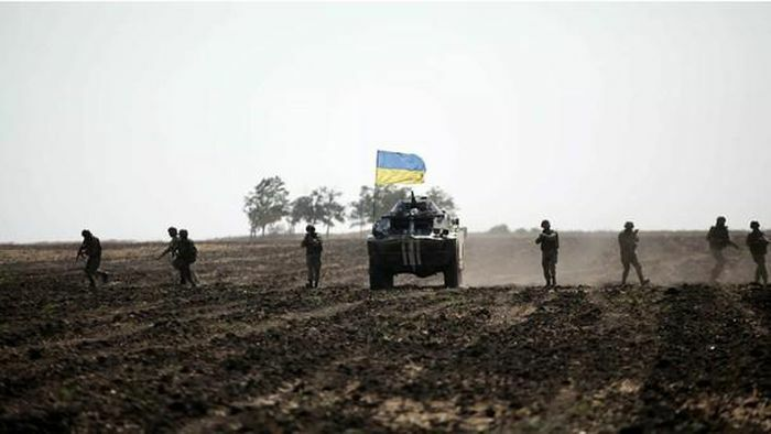 """Mỹ cam kết không để Ukraine """"một mình"""" khi có xung đột với Nga tại Donbass"""