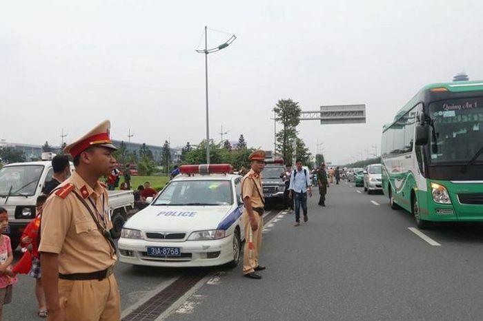 Ra quân đảm bảo trật tự, an toàn giao thông kết hợp xử lý vi phạm nồng độ cồn