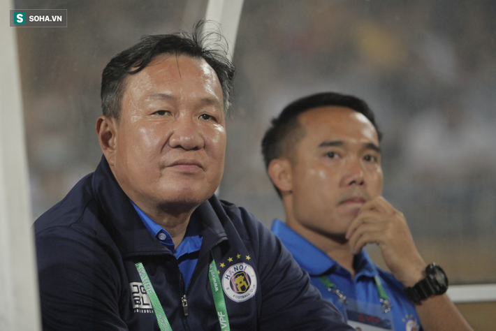 """""""Hà Nội FC thiếu may mắn, trọng tài Ngô Duy Lân quá nặng tay khi rút thẻ đỏ cho Đức Huy"""""""