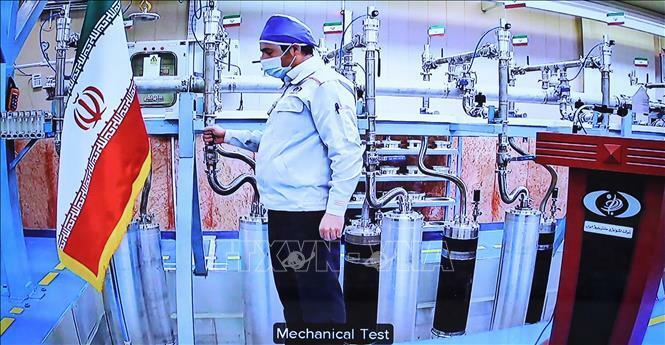 Iran bắt đầu làm giàu urani ở mức 60%