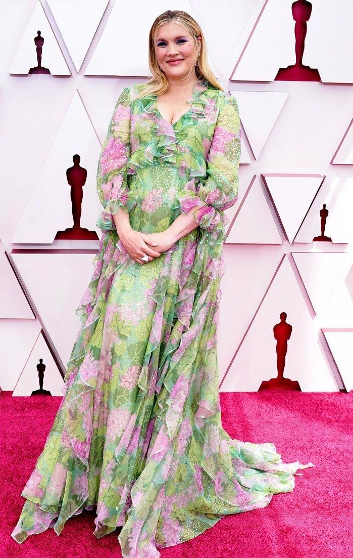 Sao chưng diện trên thảm đỏ Oscar
