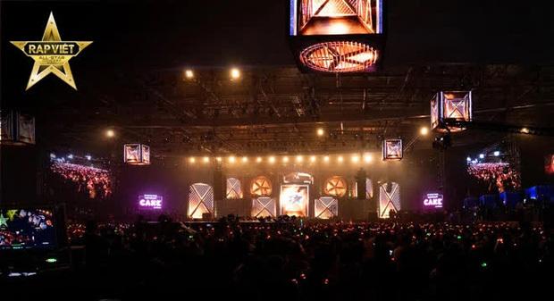 """4 tiếng Rap Việt Concert: sân khấu hoành tráng với 1001 """"chiêu trò"""", những sự vắng mặt đáng tiếc, GDucky có lấn lướt Dế Choắt?"""