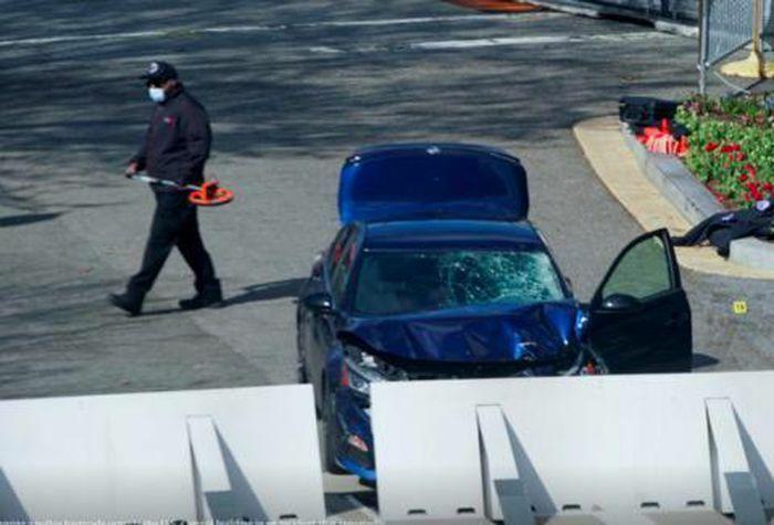 Kẻ tấn công nhắm vào Điện Capitol, sát hại 1 cảnh sát