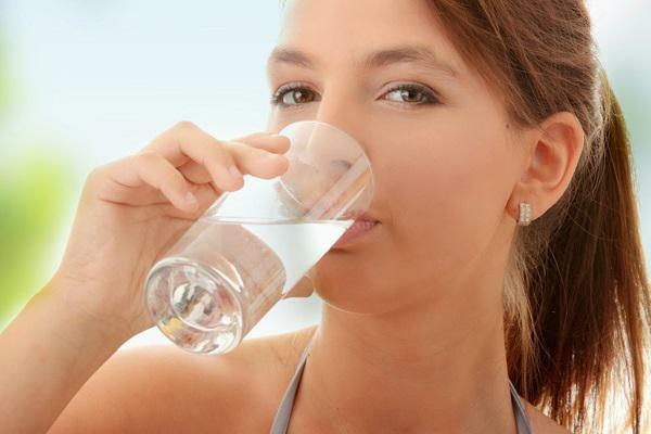 Uống nước đúng cách để có làn da đẹp?