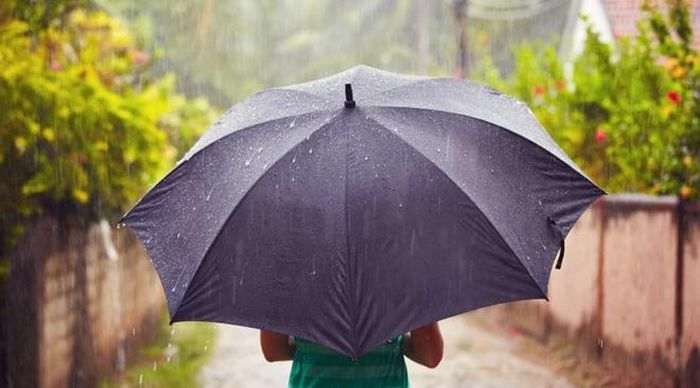 Bắc Bộ mưa giông, Nam Bộ duy trì nắng nóng