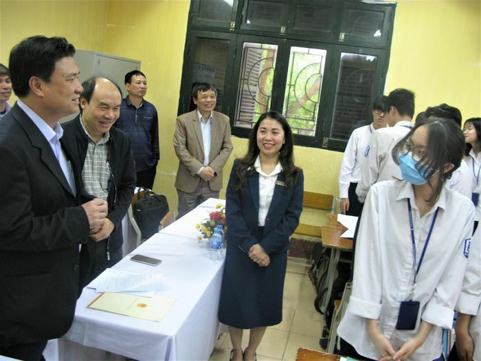 Thứ trưởng Nguyễn Hữu Độ: Thực nghiệm khách quan để có bản SGK tốt nhất