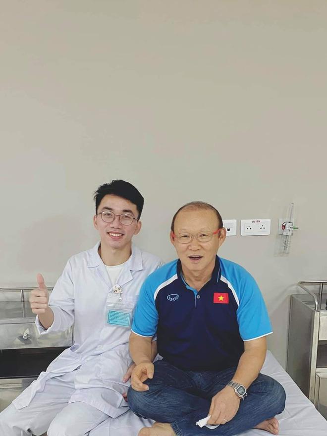 HLV Park Hang-seo được tiêm vaccine Covid-19 sáng nay