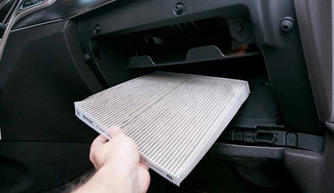 Coi chừng bệnh nếu không vệ sinh điều hoà ô tô!