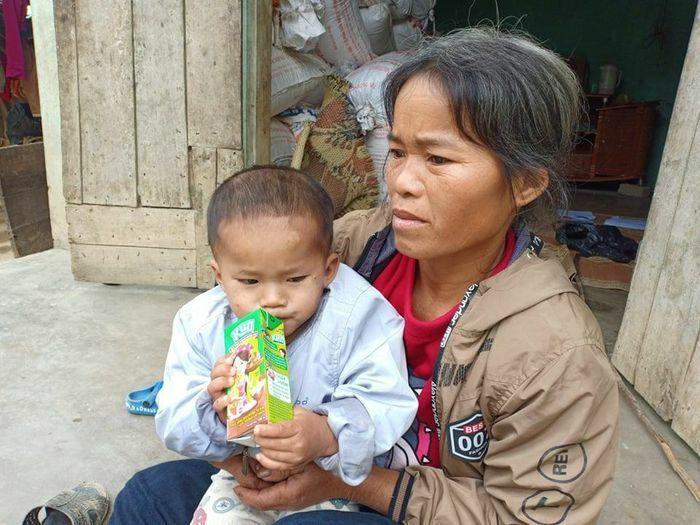 """Lời khẩn cầu của """"chị Dậu"""" gánh cả gia đình mắc bệnh hiểm nghèo không tiền cứu chữa"""