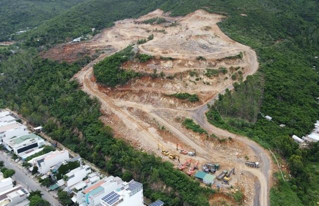 Dự án được dùng 64 tấn thuốc nổ: Chỗ đó phải trồng rừng chứ sao lại xẻ núi!
