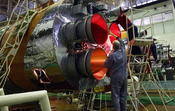 Nga phát triển động cơ tên lửa mê-tan để tái sử dụng dành cho tên lửa đẩy Amur