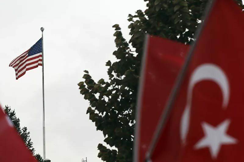 Mỹ trừng phạt Thổ Nhĩ Kỳ vì giao dịch với Nga