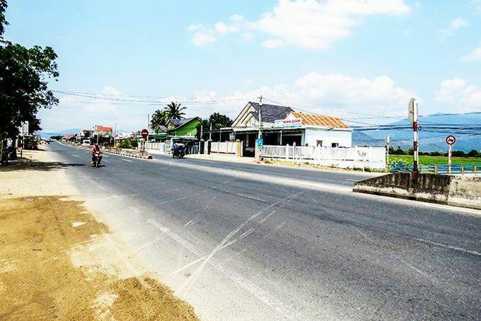 Sẽ làm đường gom Quốc lộ 1 qua xã Vạn Bình