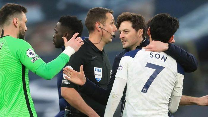 """Tottenham 2 – 1 Southampton: HLV mới lập kỷ lục khủng ở Ngoại hạng Anh, Gareth Bale """"chán"""" phương pháp của Mourinho"""