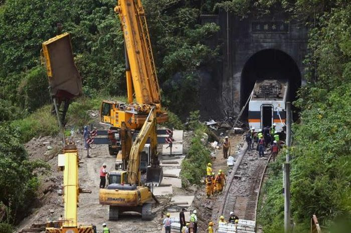 Quan chức Đài Loan nhận trách nhiệm vụ lật tàu thảm khốc