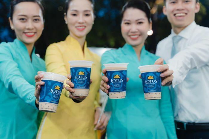 """Không cần đi máy bay vẫn có thể uống trà sữa của Vietnam Airlines, giá cả có """"trên trời""""?"""