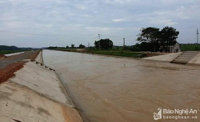 Phát hiện thi thể người phụ nữ nổi trên sông ở Nghệ An