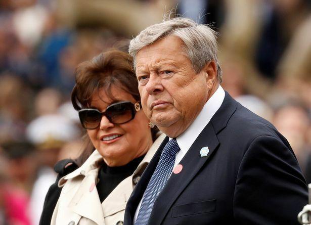 Cựu Tổng thống Trump được ví giống như cha vợ 'cực kỳ đẹp trai'
