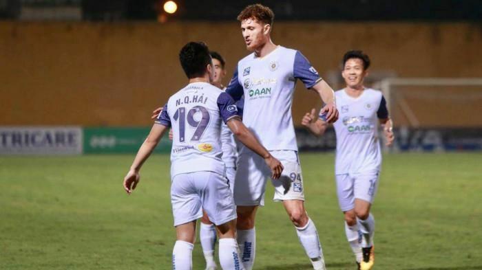 Hà Nội FC hành động cực lạ, thắng tưng bừng và tạo 2 cột mốc đáng nhớ