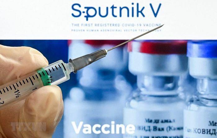 """Ấn Độ """"bật đèn xanh"""" cho việc sử dụng khẩn cấp vaccine Sputnik V"""