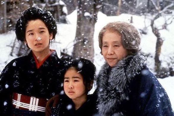 """Nữ biên kịch """"Oshin"""" qua đời ở tuổi 96"""
