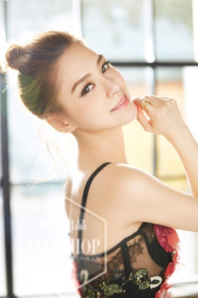 """Bất ngờ trước ngoại hình hiện tại của """"ngọc nữ"""" Chung Hân Đồng"""