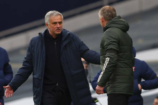 Làm được 1 trong 3 việc, Mourinho sẽ không bị Spurs sa thải