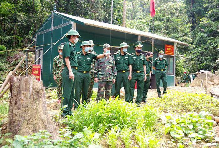 Bộ chỉ huy BĐBP tỉnh: Kiểm tra duy trì thực hiện phòng, chống dịch Covd-19 trên tuyến biên giới Việt Nam – Lào