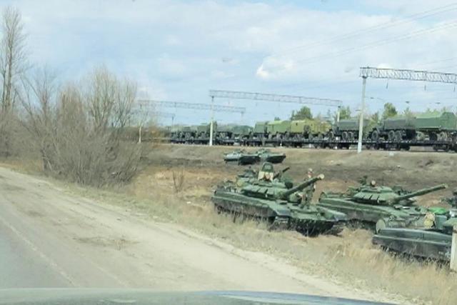 Nga toan tính gì khi tăng quân áp sát Ukraine?