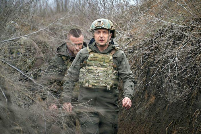 """Ukraine cảnh báo """"lằn ranh đỏ"""" với Nga"""