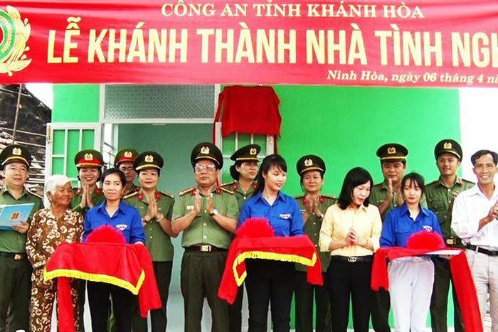 Công an tỉnh Khánh Hòa bàn giao nhà tình nghĩa tại Ninh Hòa