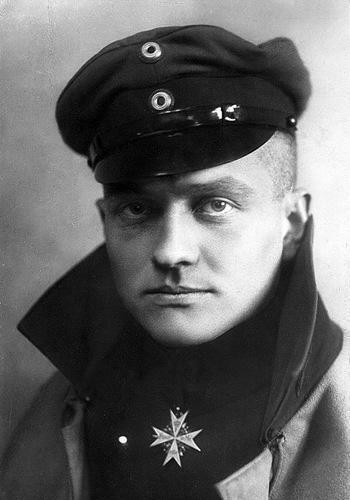 """Phi công Đức có biệt danh """"Nam tước đỏ"""", bắn hạ 80 máy bay"""