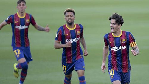 Sao trẻ La Masia tái hiện siêu phẩm của Messi