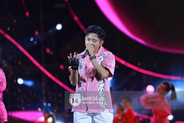 """AMEE và Ricky Star ăn ý kết hợp """"khuấy đảo"""" Diana Pink Fest, Lou Hoàng mang loạt hit đình đám lên sân khấu """"quẩy"""" cực nhiệt"""