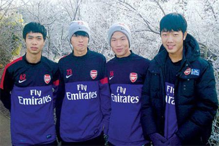Tin tối (20/4): Kiatisak xử phũ với cầu thủ từng tập huấn ở Arsenal