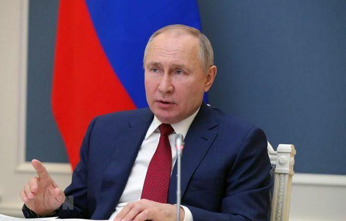 """Tổng thống Putin cảnh báo phương Tây không vượt qua """"ranh giới đỏ"""""""